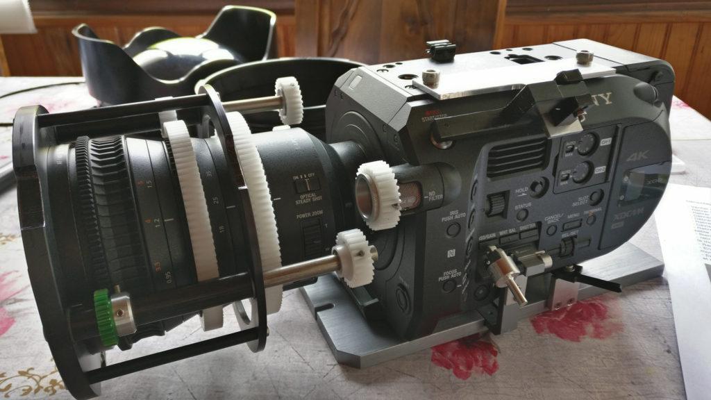 Caméra FS7 montée vu profil gauche